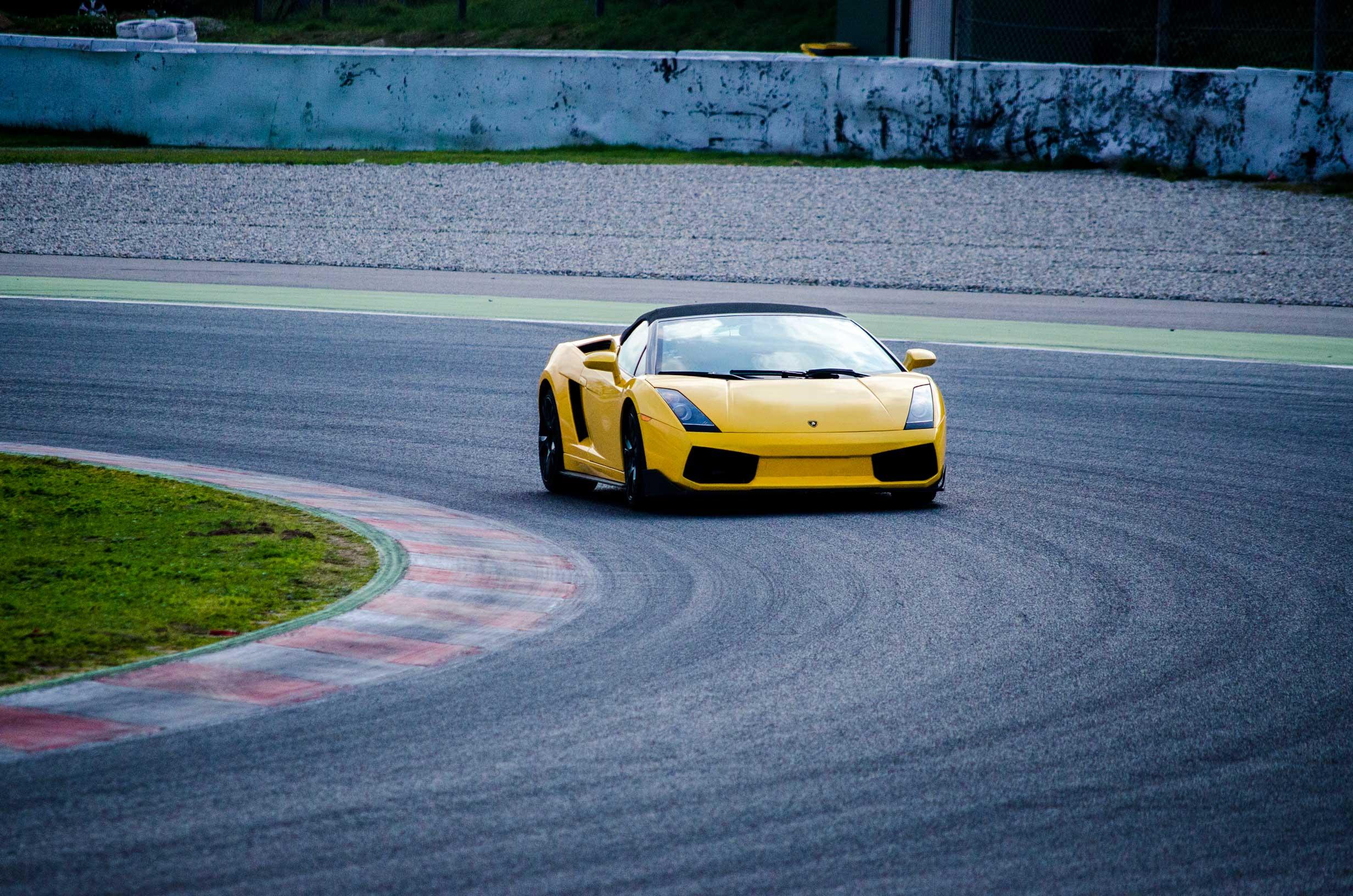 Circuito Fk1 : Conducir lamborghini en valladolid monteblanco